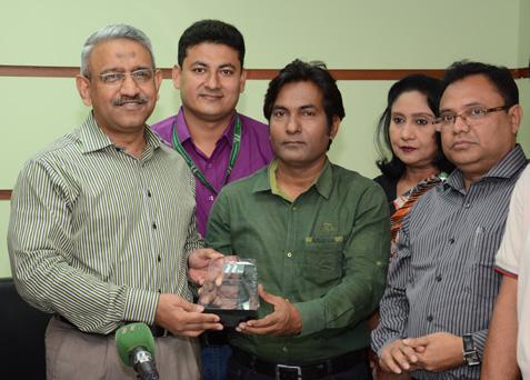 journalists receive awards